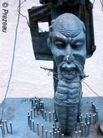 Assemblage sur sculpture de bois